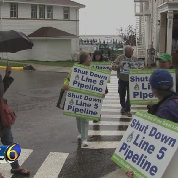 Skubick: Protesters focus on Straits pipeline