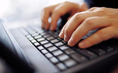 Typing on Laptop_55466