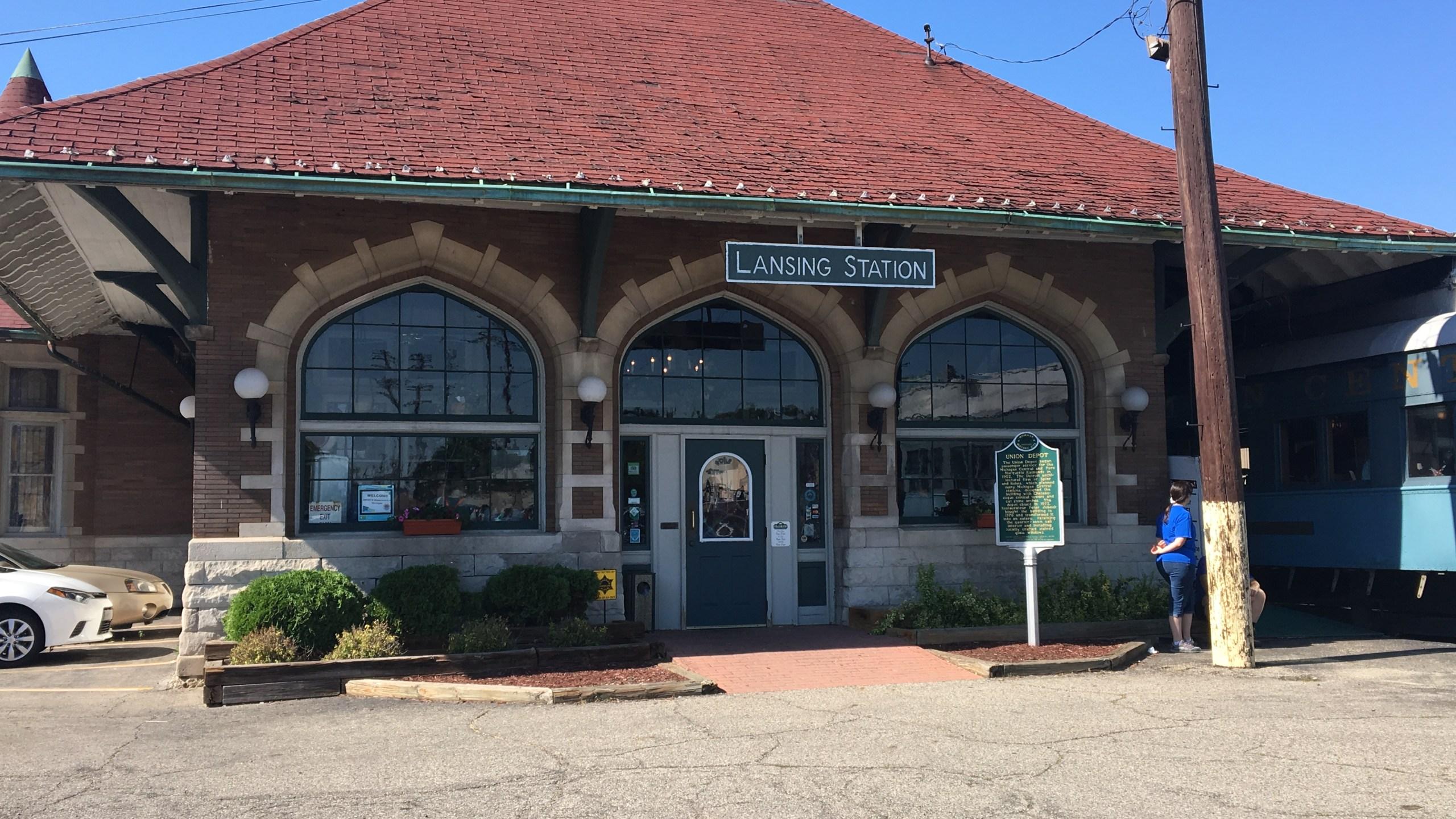 Clara's Lansing Station_165809