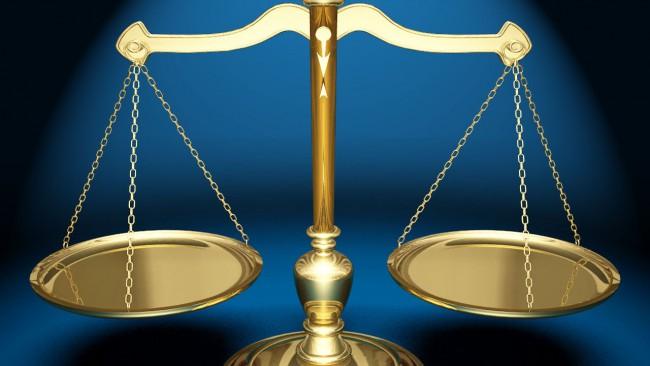 JusticeScales_13525