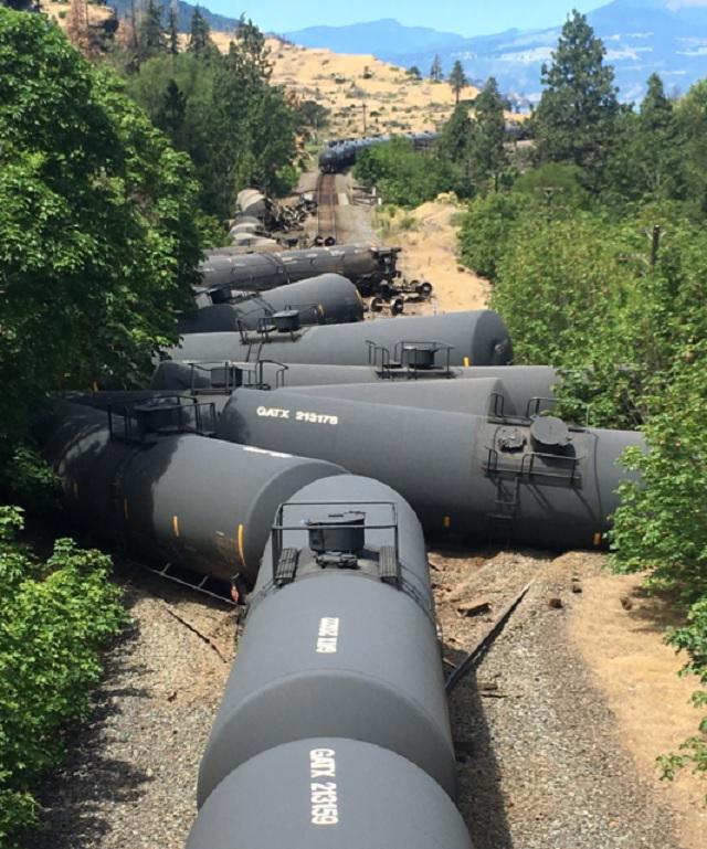 train-derailment-aa-060320162_160976
