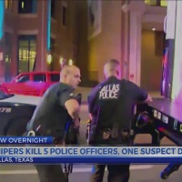 5 police officers dead in Dallas shooting; 3 suspects in custody, 1 dead after shootout