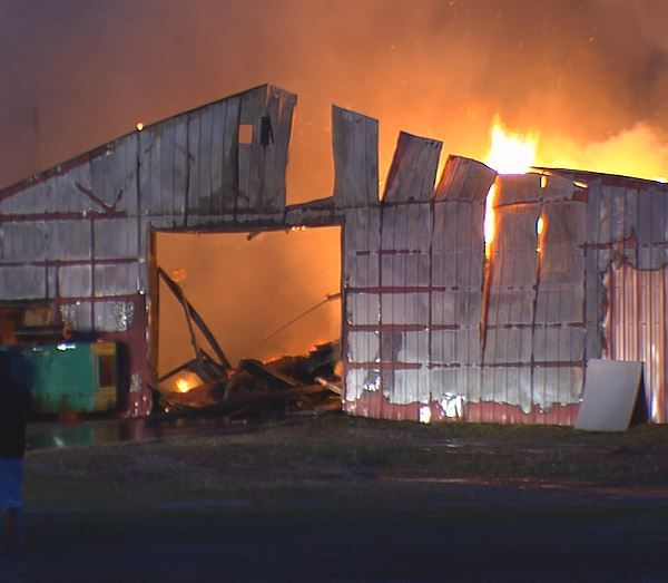 BARN ON FIRE_167686