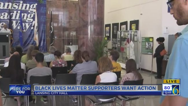 BLM holds prayer protest in Lansing_170344