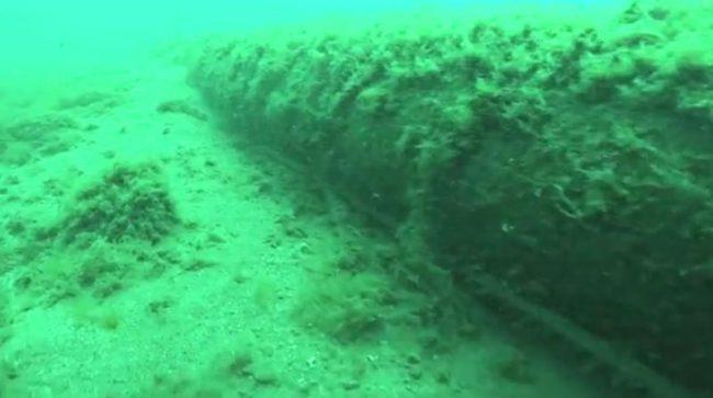pipeline_under_straits_50985