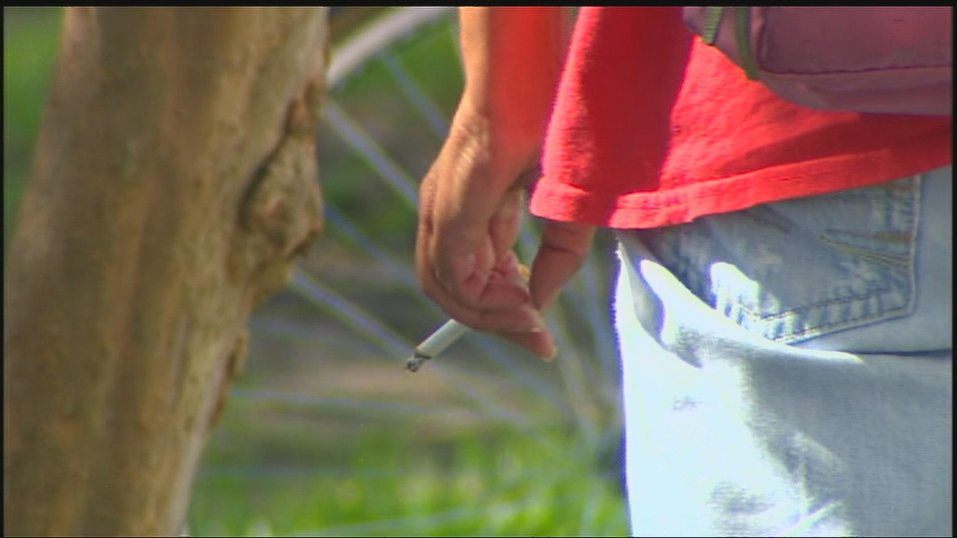 smoking-in-east-lansing_205816