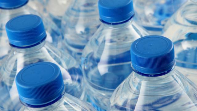 water-bottles_251396