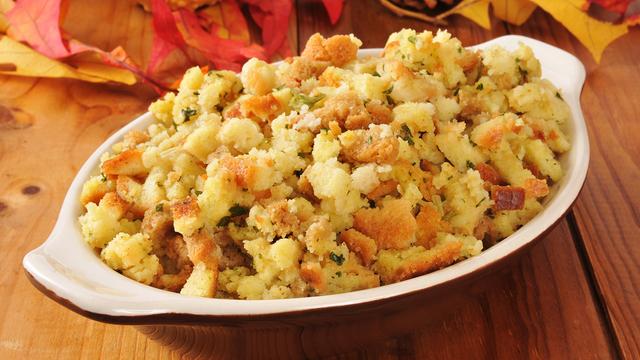 Holiday Cornbread Stuffing_338794