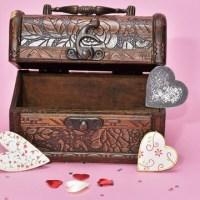 treasure-hunt-valentines-day-gift_1517261660650_337717_ver1-0_32896335_ver1-0_640_360_365256