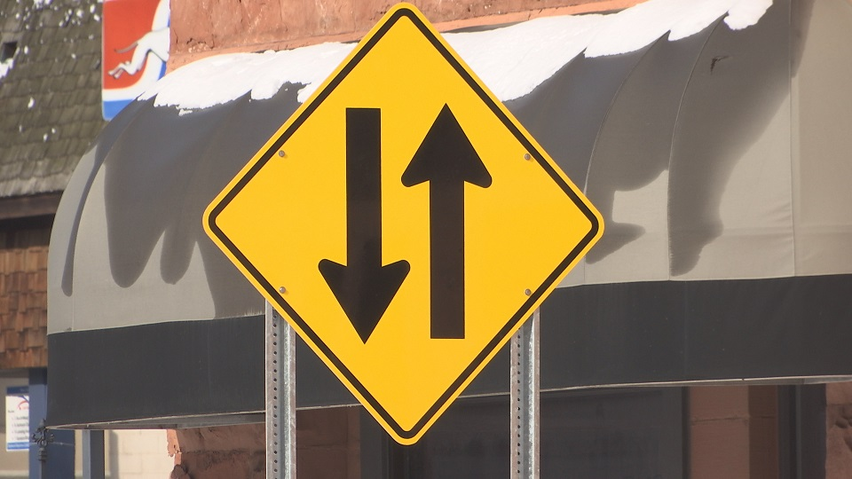 two way sign_367852