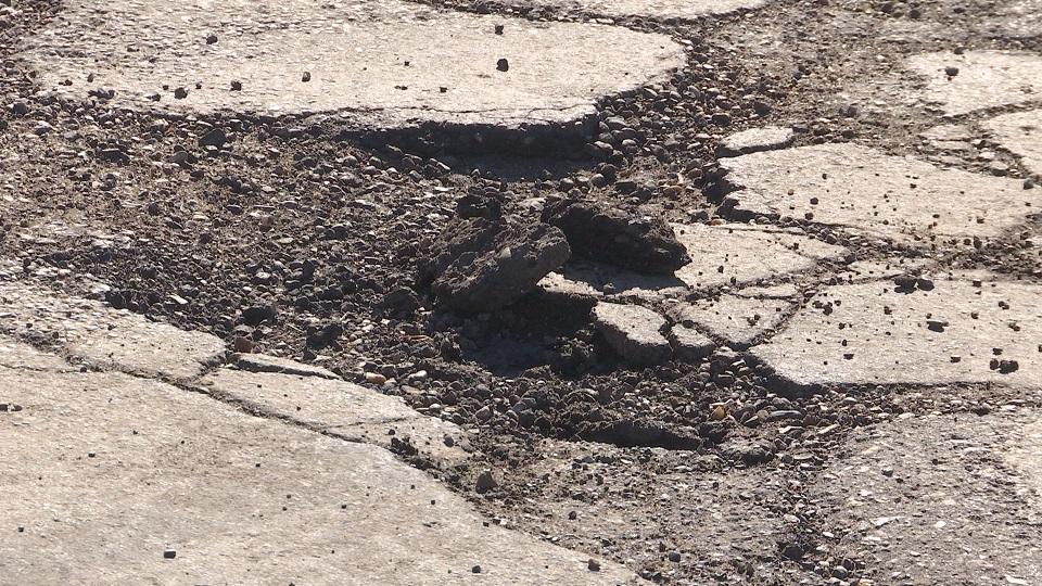 spring-arbor-pothole_227651