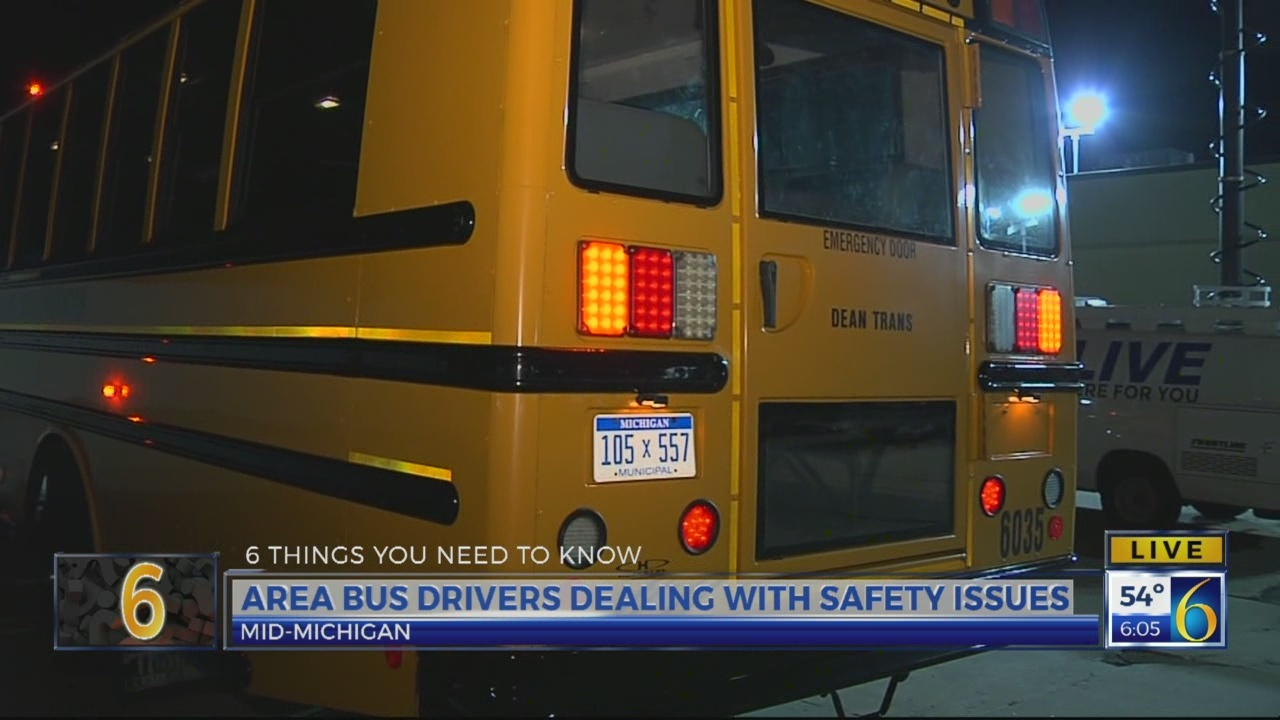 6 News at 5:30: bus safety flashing lights
