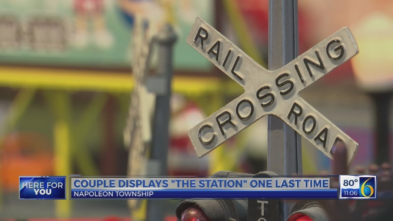 """Couple displays """"The Station"""" one last time"""
