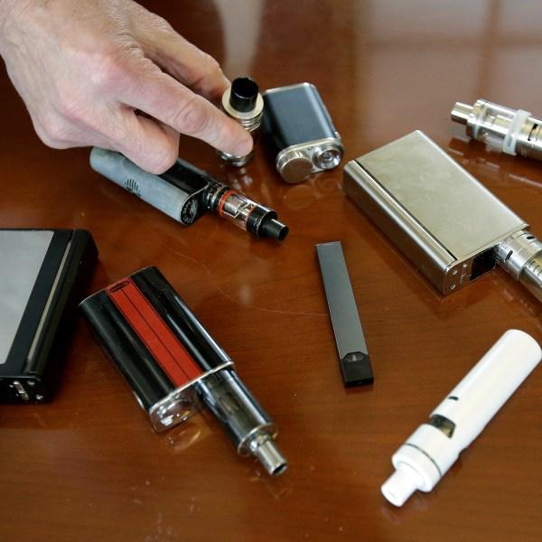 E_Cigarettes_Teens_61277-159532.jpg10171455