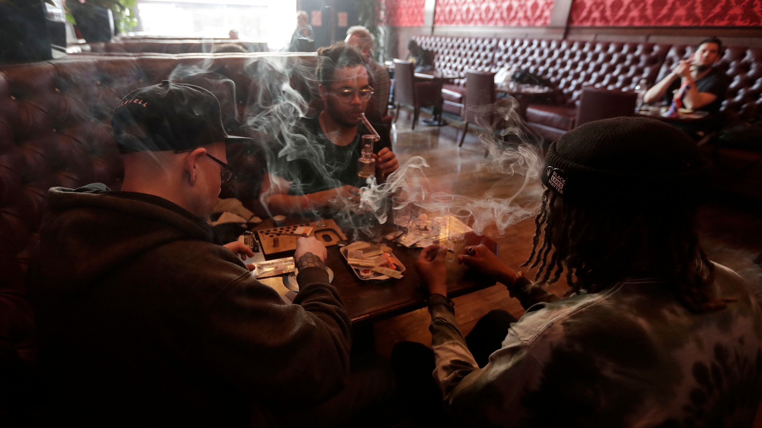 Marijuana_Smoking_Lounges_79274-159532.jpg71337832