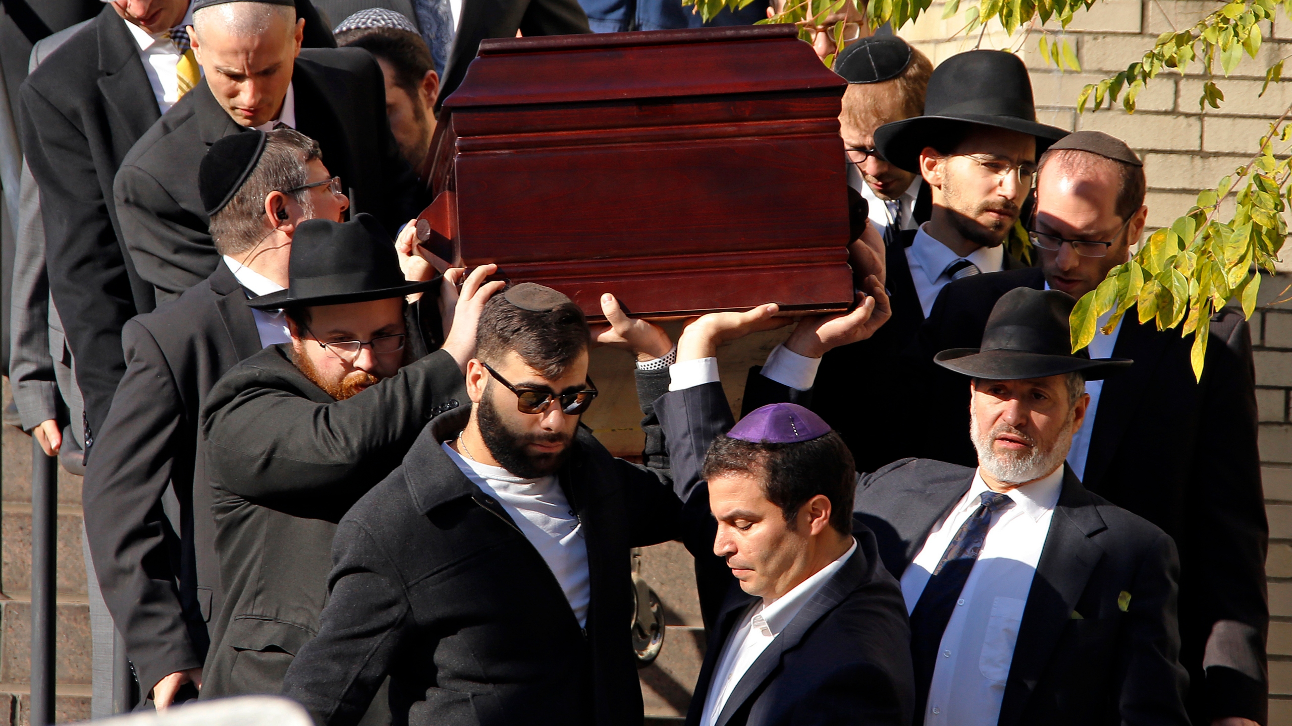 Shooting_Synagogue_Funerals_87748-159532.jpg93428885