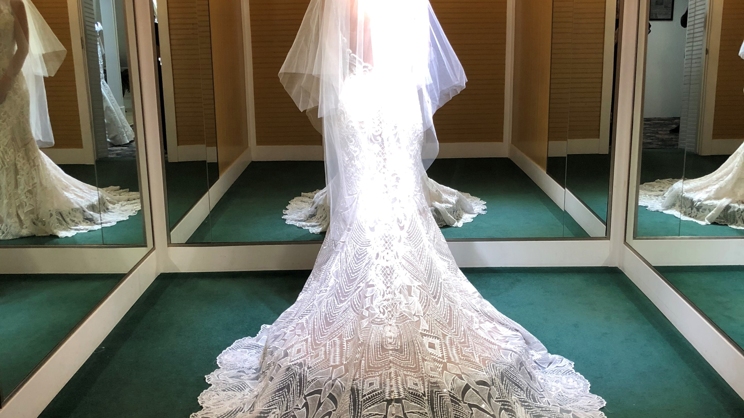 Becker's Bridal-Image for Blurb 1-Dec 10 2018_1544449642458.jpg.jpg