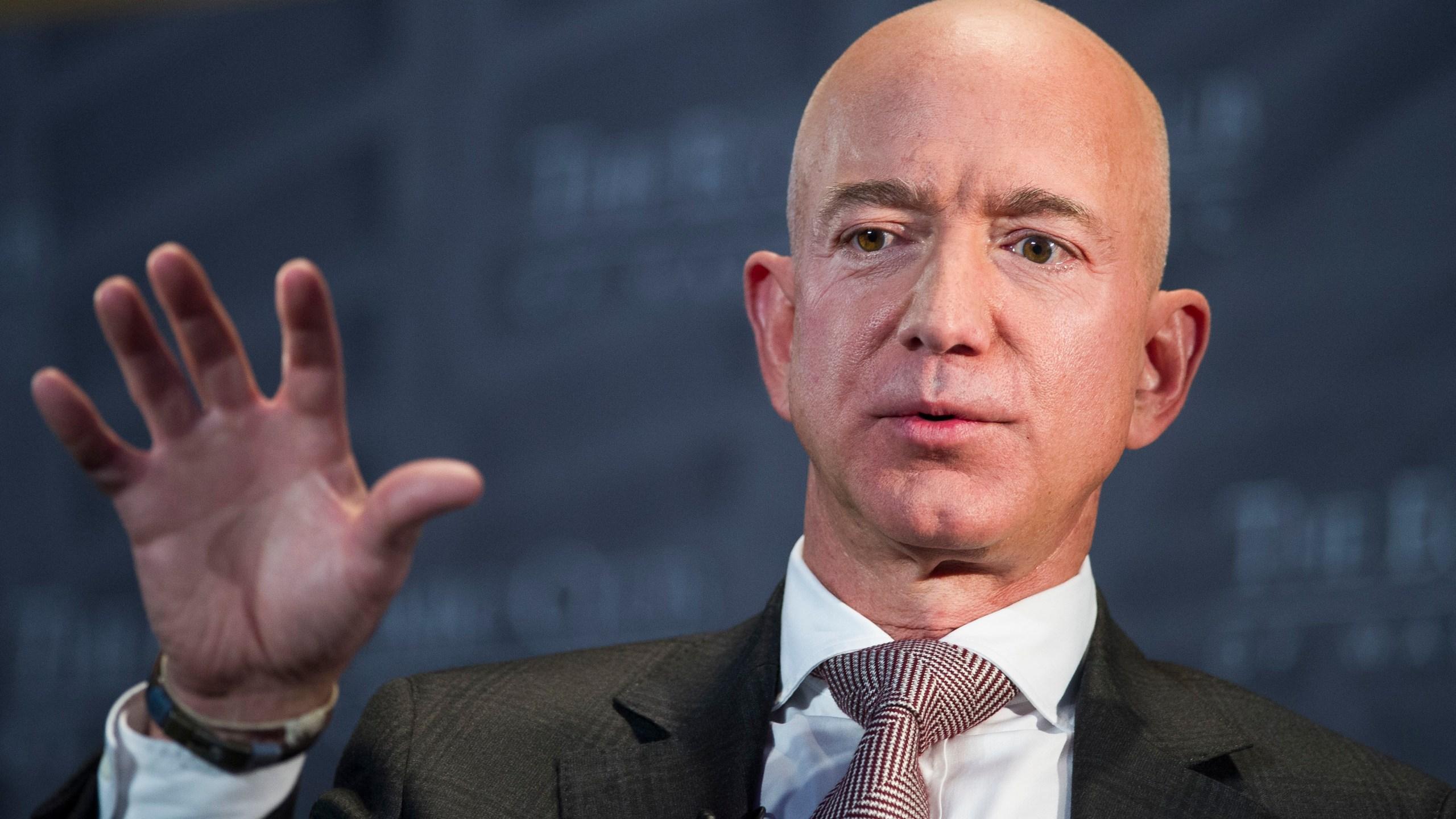 Jeff_Bezos_National_Enquirer_11015-159532.jpg88815634