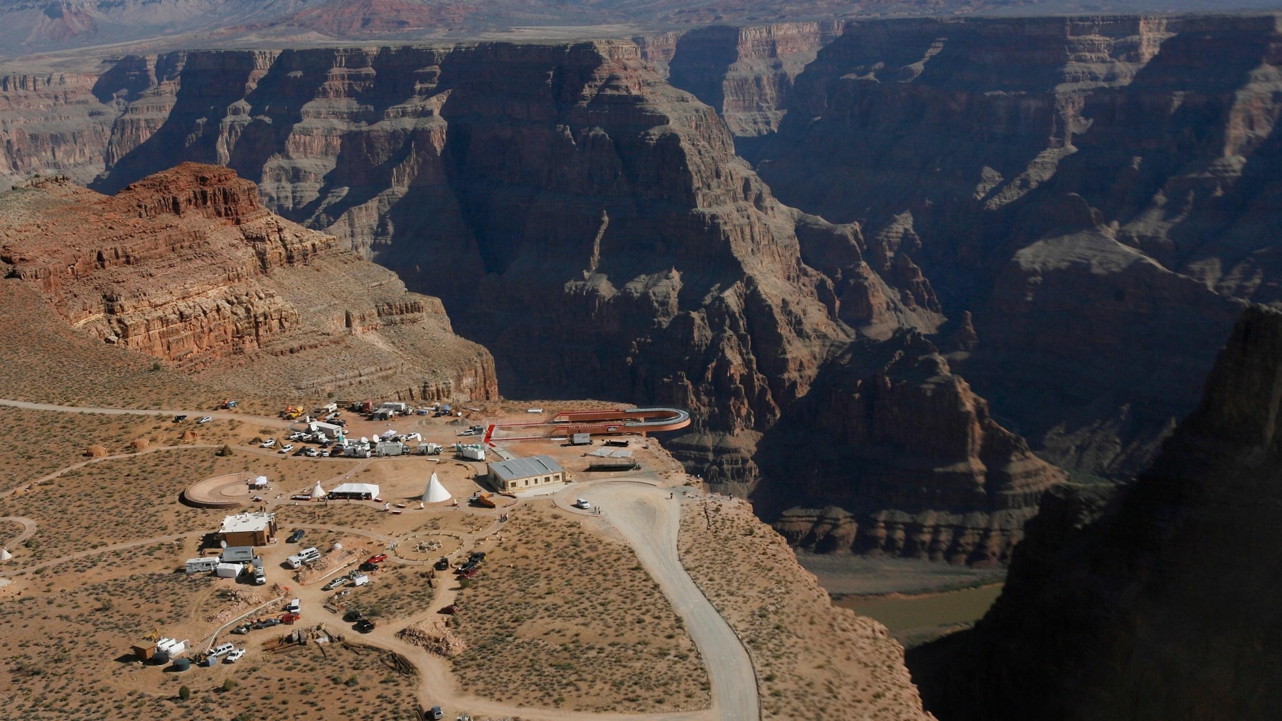 Grand_Canyon_Fall_95457-159532.jpg95694924