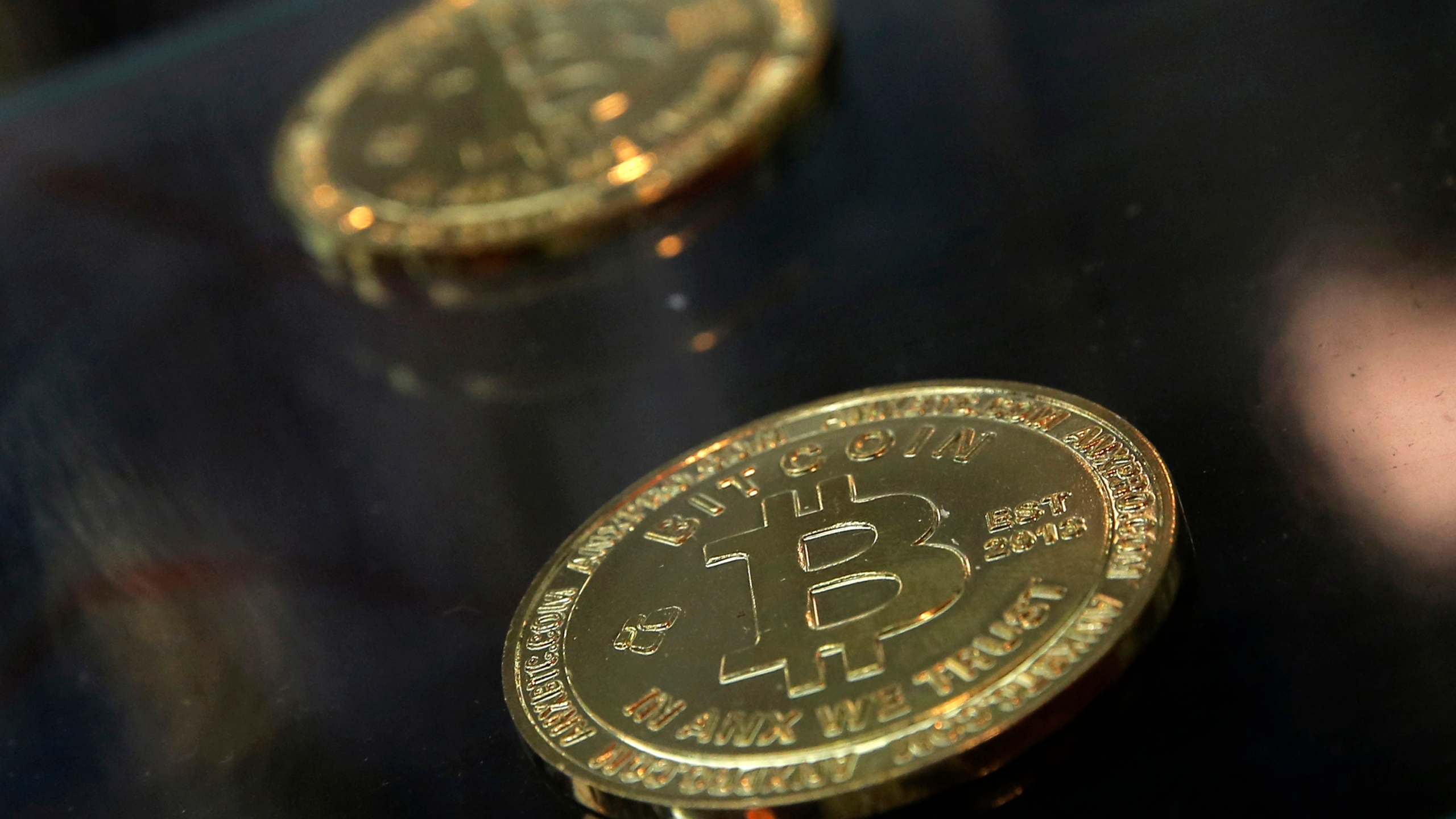 On_the_Money_Cryptocurrencies_and_Taxes_75105-159532.jpg40481822