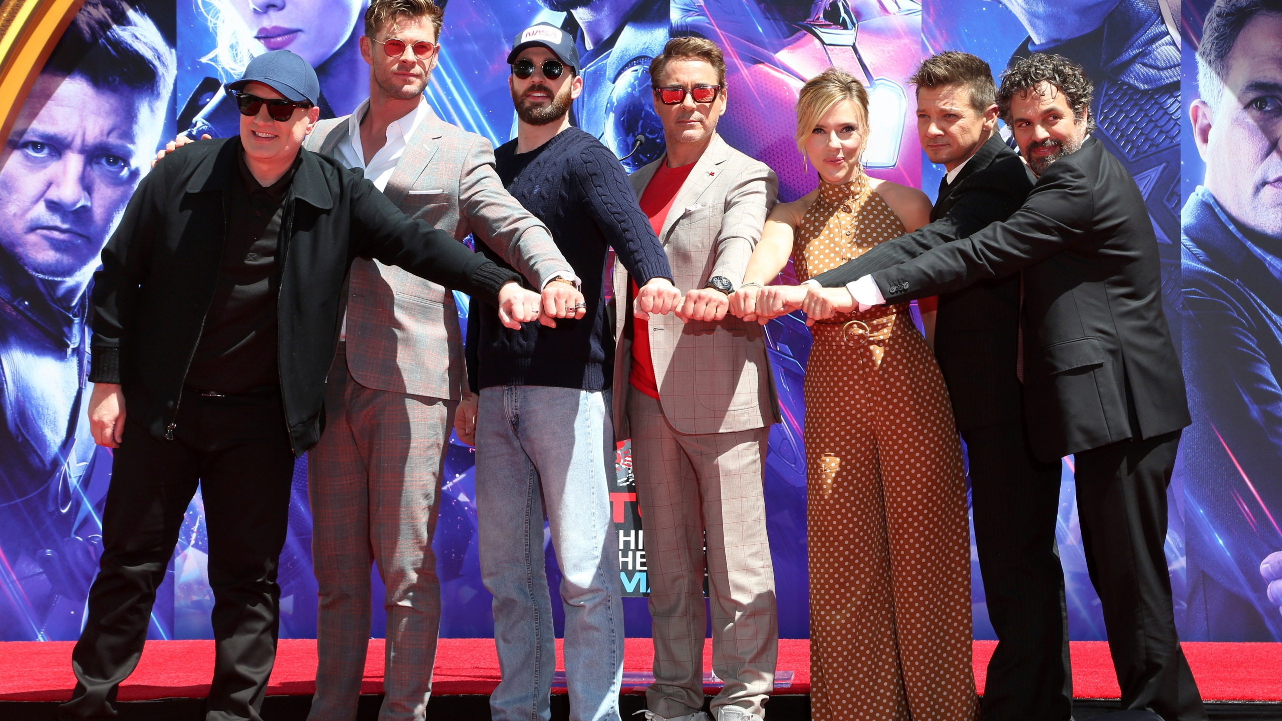 The_Cast_of__Avengers__End_Game__Hand_and_Footprint_Ceremony_76329-159532.jpg63599911
