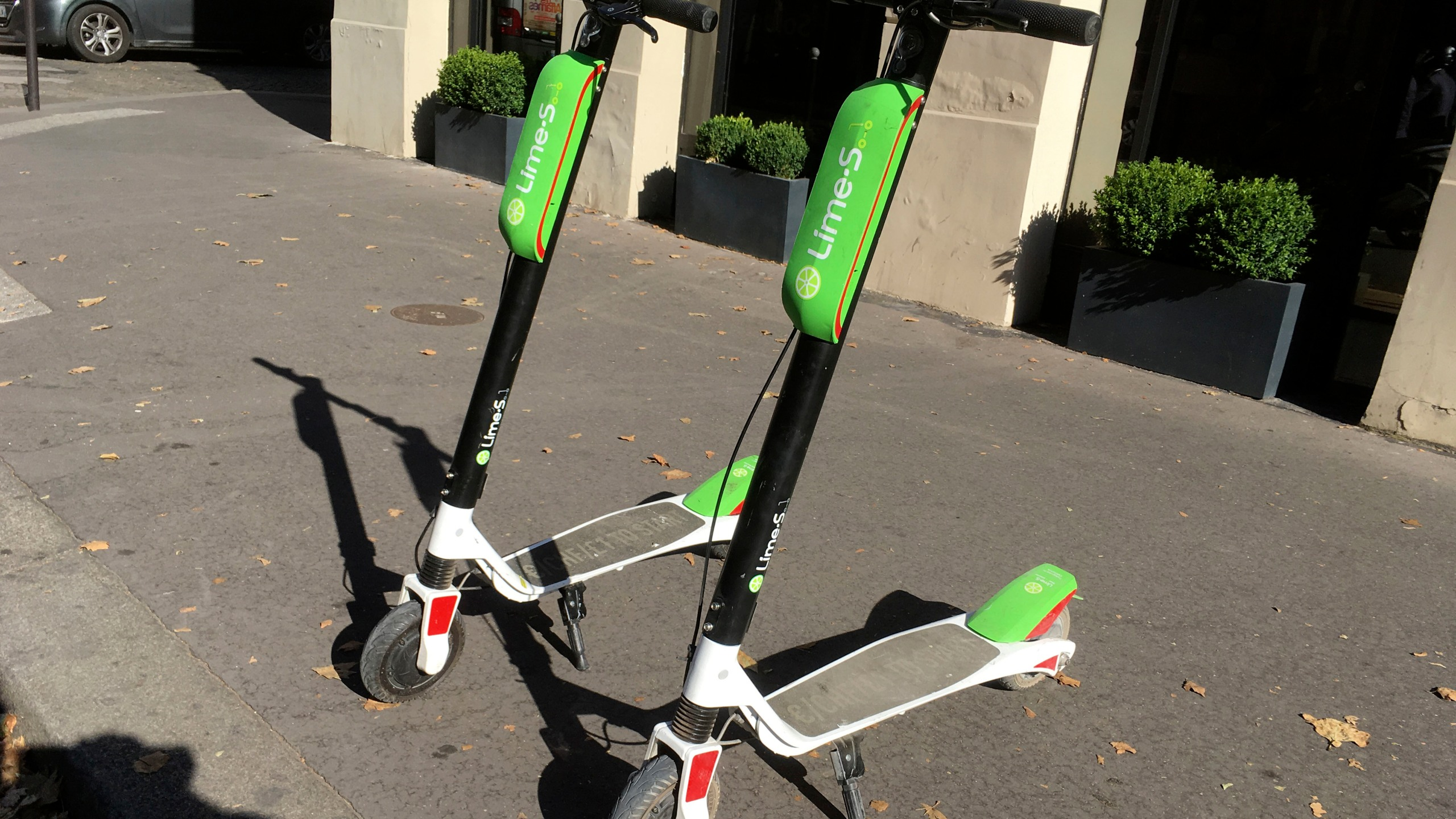 Uber_Lime_Scooters_45001-159532.jpg65792860