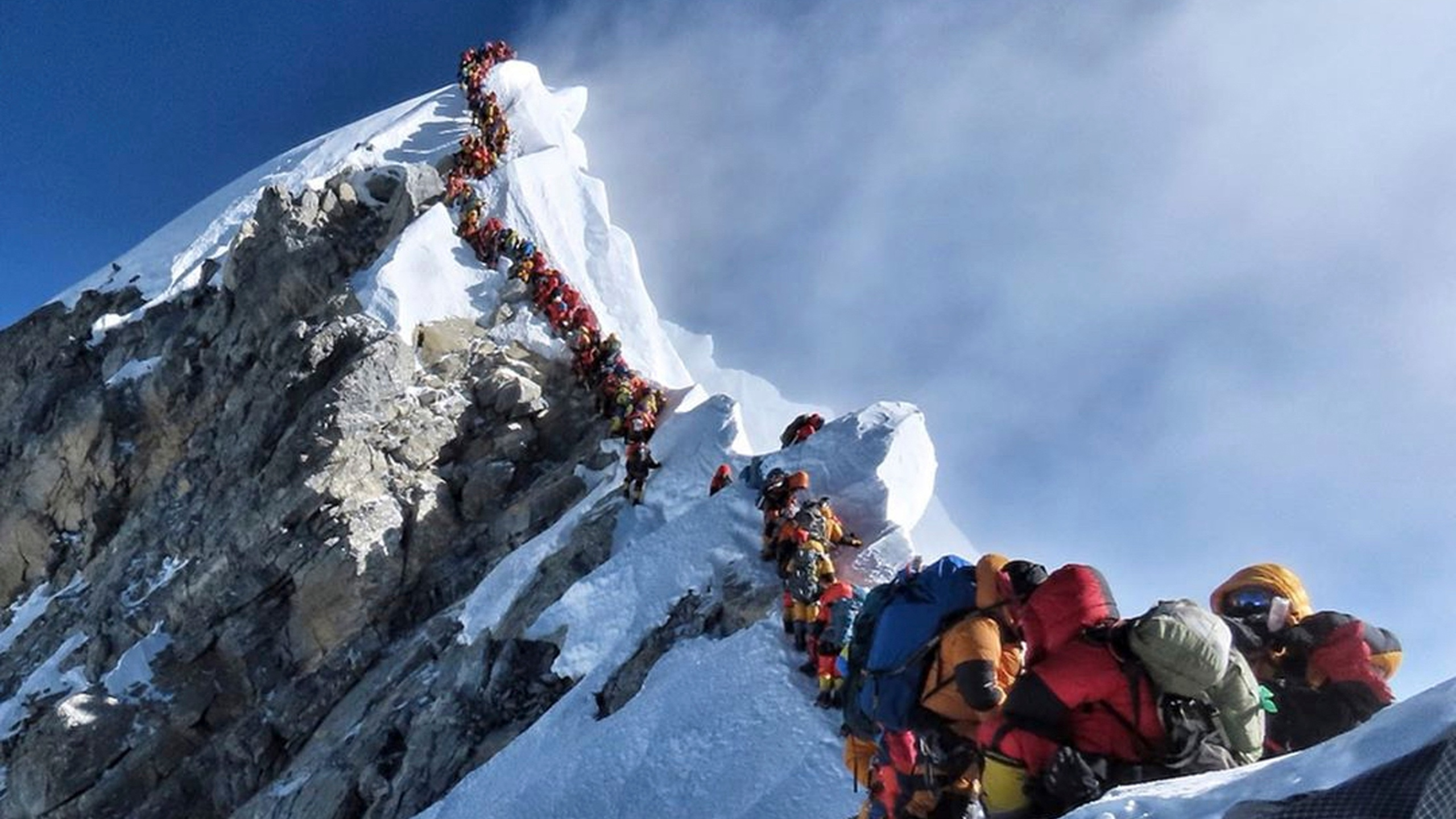 APTOPIX_Everest_Death_58892-159532.jpg44602527