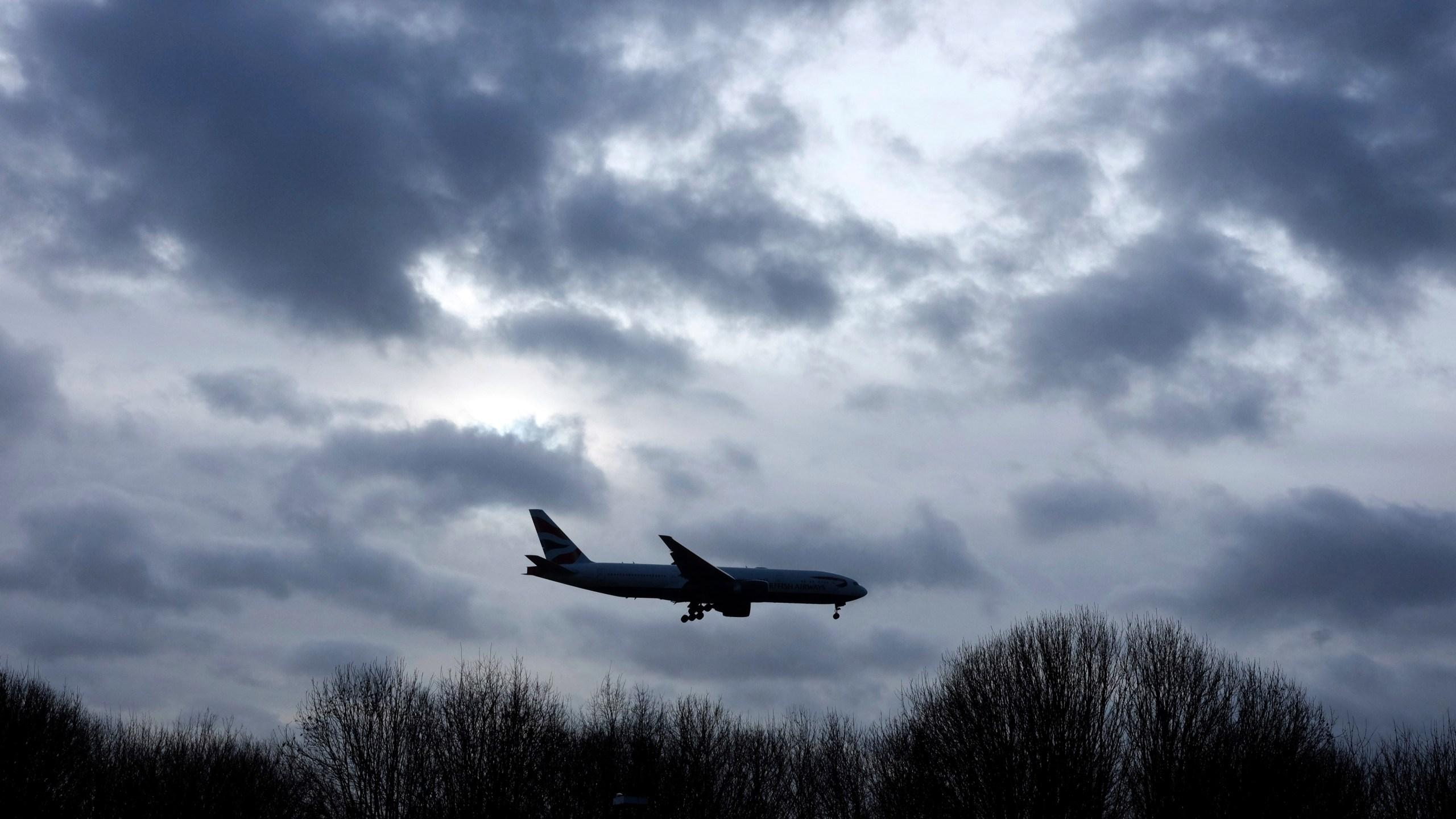 Britain_Gatwick_Airport_Drones_59825-159532.jpg53574779