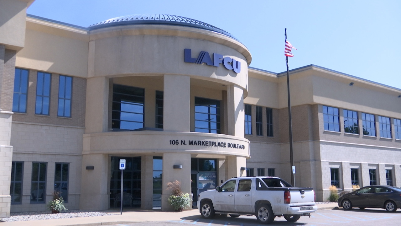 Local credit union helping out auto supply workers during strike