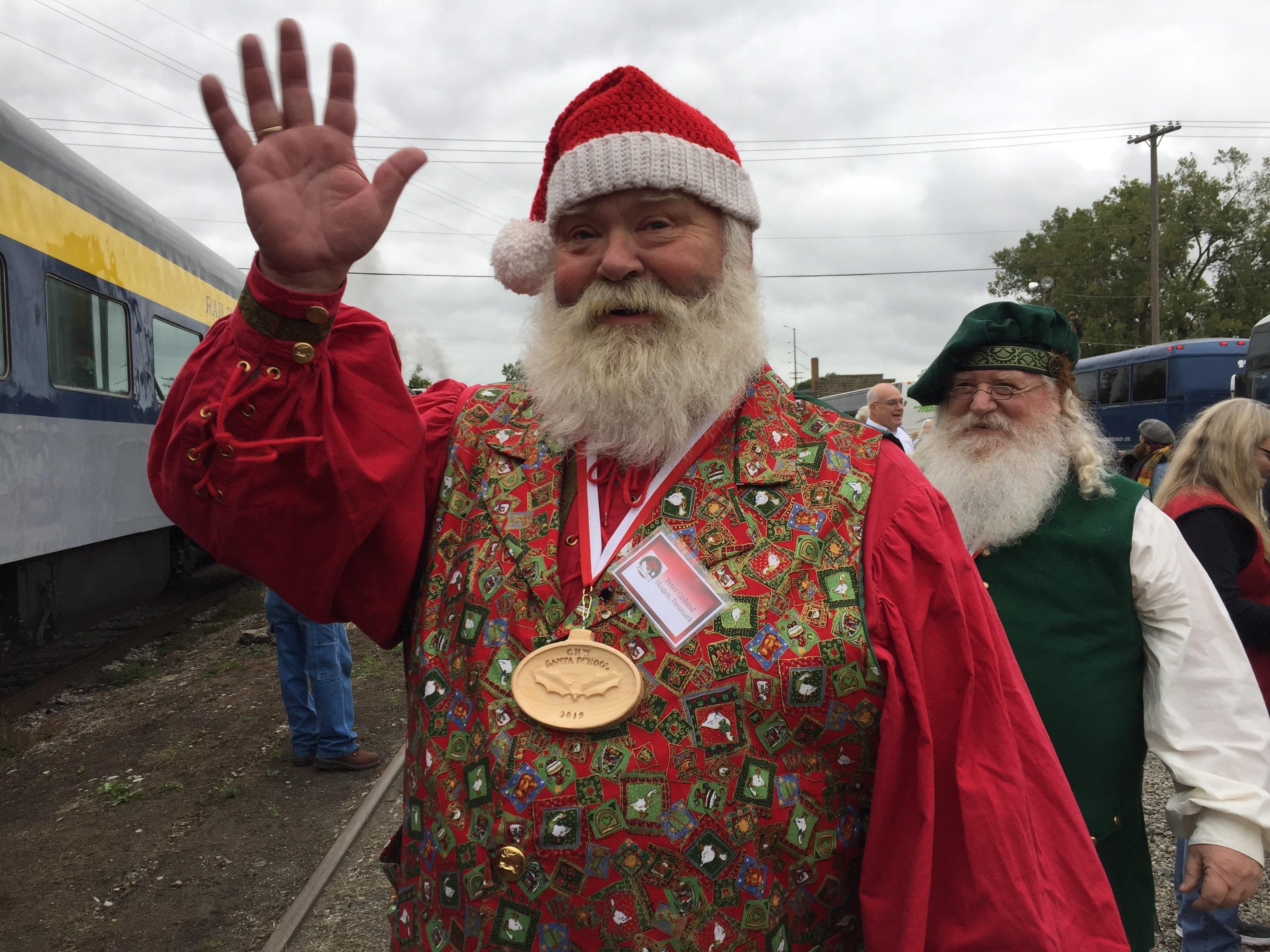 Spirit Of Christmas Past Costume.Tmsg Sharing The Spirit Of Christmas Wlns 6 News