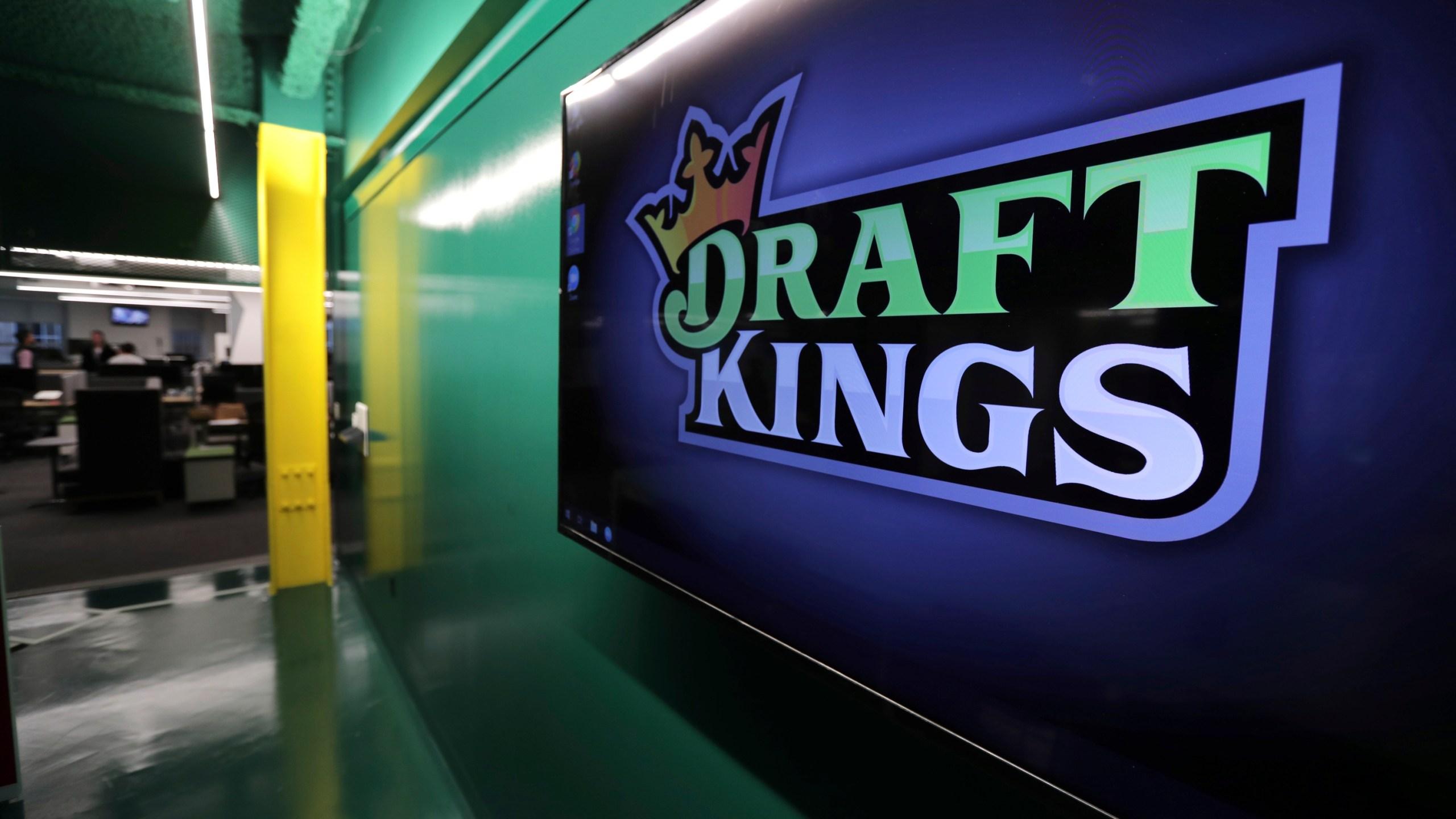 Online sport betting company sport spread betting arbitrage