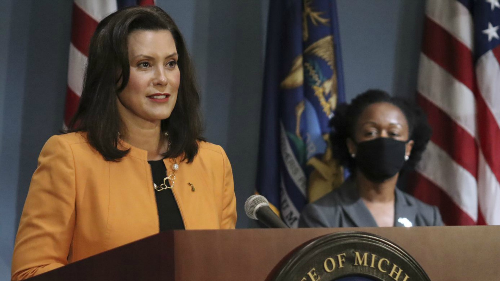 Skubick Poll Shows Gov Whitmer S Approval Rating Climbing Wlns 6 News