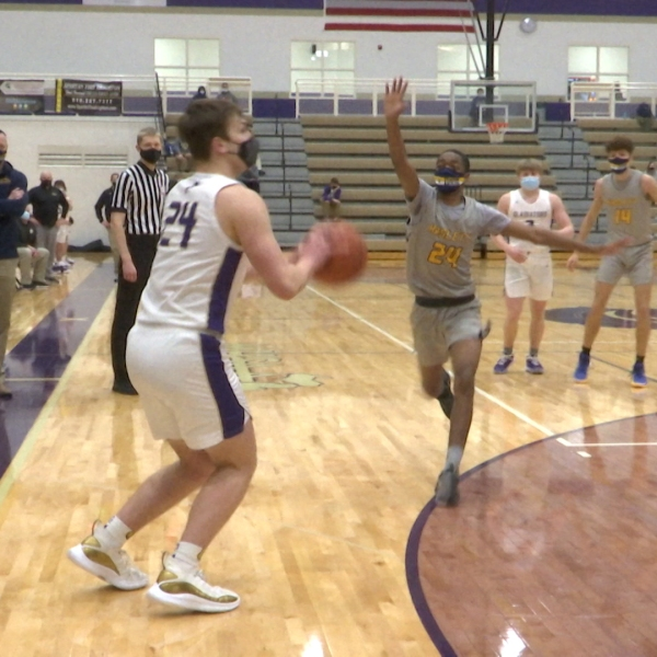 East Lansing, Fowlerville pick up wins